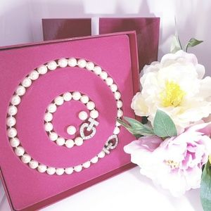 Pearl Necklace, Bracelet, & Studs Set
